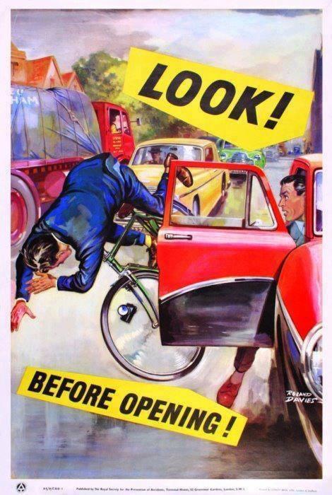 Guarda prima di aprire la portiera