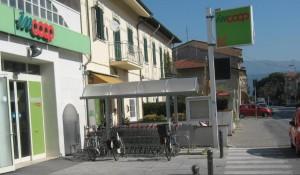 coop_lido_di_camaiore_rastrelliera_biciclette