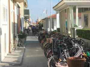 Via Marconi Viareggio  bagno Florindo 2014-08-09 19.16.34