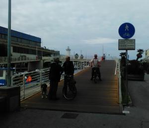 passerella ciclopedonale Viareggio molo darsena ciclovia Tirrenica