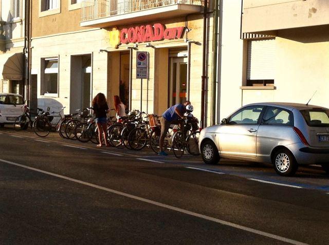 Conad City supermercato lungomare Viareggio