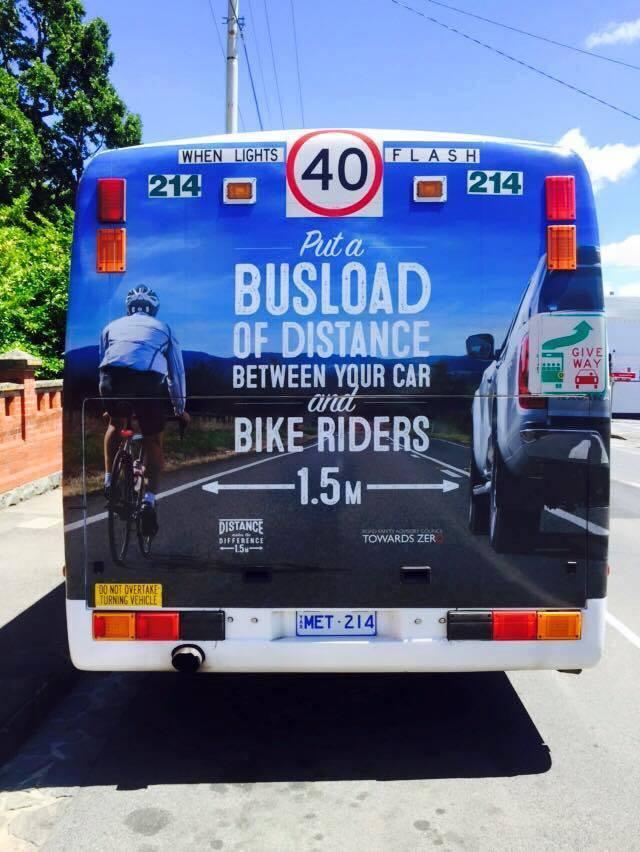Campagna distanza di sicurezza Amy Gillett Tasmania unmetro e mezzo sorpasso ciclisti