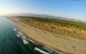 La costa e la macchia lucchese-apuana