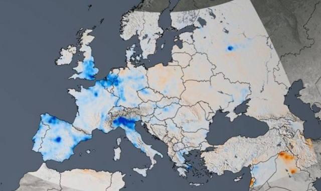 Mappa della Nasa con la concentrazione del diossido di azoto nell'atmosfera in Europa tra il 2005 e il 2014