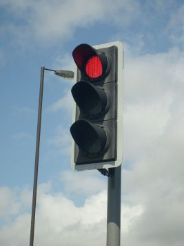 800px-Modern_British_LED_Traffic_Light