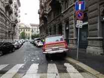 Ciclisti arroganti automobili Milano 3