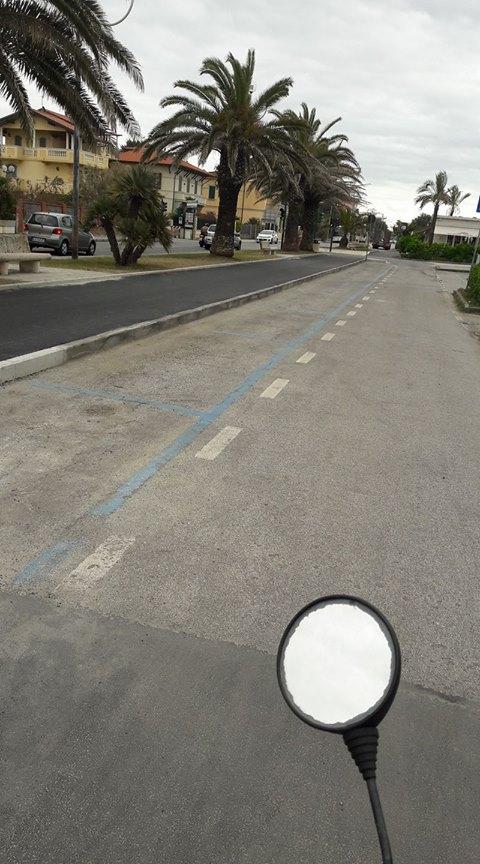 Marina di Pietrasanta pista ciclabile parcheggio