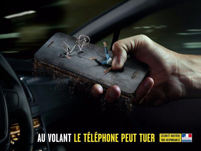 al volante il telefono uccide campagna sociale francese 1