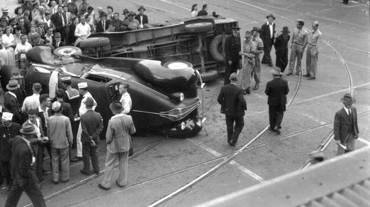 brisbane-car-accident-incidente-auto-epoca.jpg
