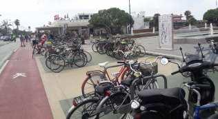 stalli per biciclette forte dei marmi parcheggi lungomare 2
