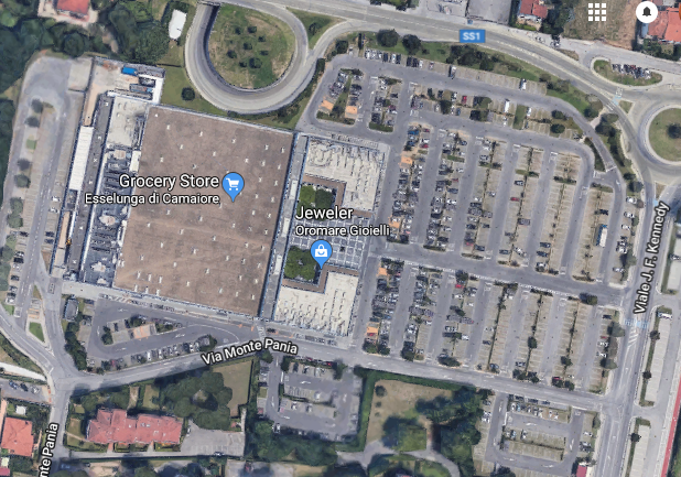 Screenshot 2018-05-14 13.35.45 Eseelunga Camaiore lido parcheggio